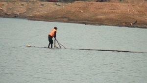 Trục vớt thi thể người đàn ông bị đuối nước trên lòng hồ sông Đà