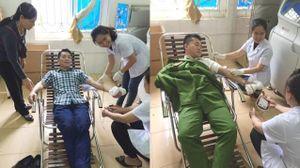 Hai chiến sỹ công an hiến máu cứu sống sản phụ hôn mê sâu