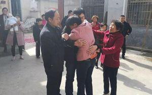 Bị bắt cóc bằng một chiếc bánh bao, hơn 20 năm sau chàng thanh niên mới được đoàn tụ bên gia đình