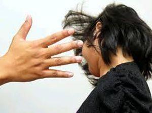 Kỷ luật Đảng phó chủ tịch phường dùng chổi sắt đánh phụ nữ