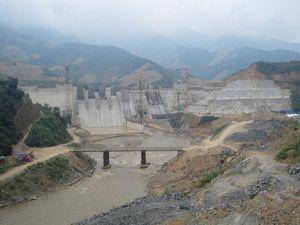 Dự án thủy điện Sông Mã 3: Thi công 'rùa bò', chủ đầu tư phớt lờ tiến độ?