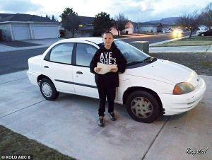 Tuổi trẻ tài cao, 13 tuổi đã tự kiếm tiền mua ô tô tặng mẹ