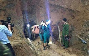 Nghệ An: Lại có 2 người dân bị vùi lấp khi đi mót quặng
