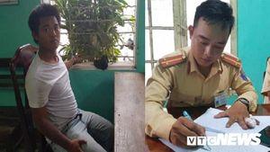 CSGT Huế đuổi bắt tên cướp điện thoại nghẹt thở trên phố