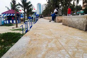 Vỉa hè dọc biển Đà Nẵng được sửa chữa sau phản ánh của Zing.vn
