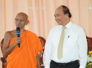 Thủ tướng tới thăm Học viện Phật giáo Nam tông Khmer