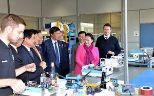 Chủ tịch QH Nguyễn Thị Kim Ngân kết thúc tốt đẹp chuyến thăm, làm việc với Nghị viện châu Âu