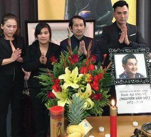 Rơi nước mắt tang lễ nghệ sĩ Anh Vũ tại Mỹ