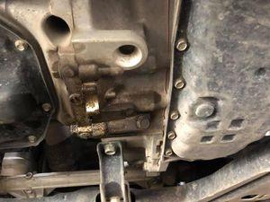 Chủ xe bất bình với kết luận của Nissan Việt Nam về lỗi rò rỉ dầu