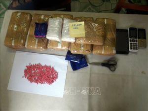 Hai đối tượng người Lào vận chuyển gần 40.000 viên ma túy tổng hợp vào Việt Nam