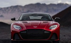 Siêu xe Aston Martin DBS Superleggera 2019 sắp về VN?
