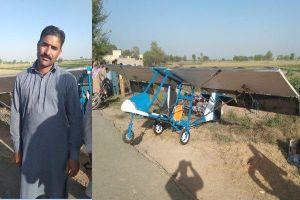 Người bán bỏng ngô tự chế tạo máy bay mini