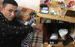 Người đàn ông sử dụng súng để mua bán ma túy ở Sài Gòn