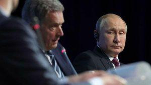 Tổng thống Nga Putin phản ứng bất ngờ, gọi phiên dịch sửa lời ông là 'kẻ cướp'