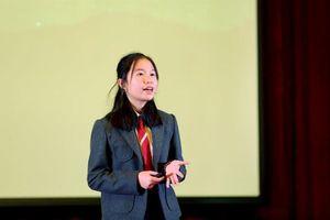 Cô bé 14 tuổi báo động 'ô nhiễm ánh sáng' tại sân khấu TEDx