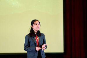 Cô bé 14 tuổi báo động vấn đề 'ô nhiễm ánh sáng' trên sân khấu TEDx