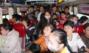 Xe khách 29 chỗ nhồi nhét tới 64 người chạy trên cao tốc