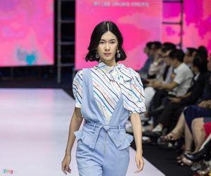 Chung Chung Lee mang chủ đề 'nữ quyền' lên sàn diễn Aquafina VIFW