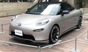 Xe hai cửa Toyota La Coupe mới bất ngờ lộ diện
