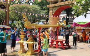 Hội té nước - nét văn hóa đậm chất nhân văn của người Lào