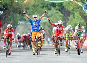 Cúp xe đạp Truyền hình: Cú hattrick cho Lê Nguyệt Minh