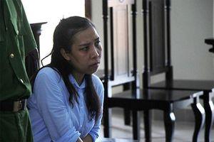 Nữ phóng viên lừa đảo chiếm đoạt tài sản lĩnh 4 năm tù