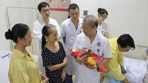 Bác sĩ 'nín thở' 9 tháng chờ thai nhi chào đời từ người mẹ mắc bệnh tim phức tạp
