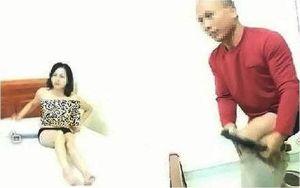Người chồng phân trần về cách 'cởi quần áo ôm cho khỏi rét' của vợ giáo viên: 'Chắc họ đang nói với đứa trẻ lên 3'