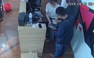 Truy tìm thanh niên nói tiếng Trung Quốc 'làm ảo thuật', trộm tiền của nhiều cửa hàng ở Đà Nẵng