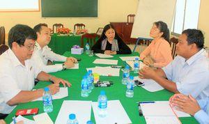Diễn giả Nguyễn Phi Vân chia sẻ về tư duy đổi mới, sáng tạo