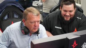 Thủ tướng Đan Mạch bắn CS: GO với đội tuyển eSport
