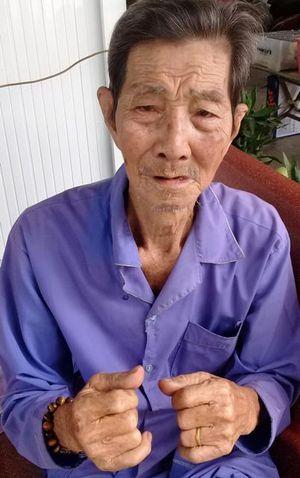Cụ ông 87 tuổi mỏi mòn đợi trả tiền để trị bệnh