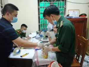 Truy nã quốc tế kẻ cầm đầu, khởi tố 4 bị can vụ bắt 700 kg ma túy