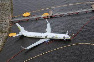 Thông tin mới nhất về vụ máy bay chở 143 người rơi xuống sông