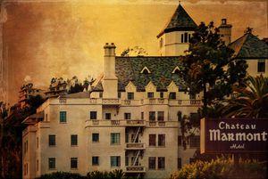 Khách sạn đắt đỏ và những bê bối tình, tiền chấn động ở Hollywood