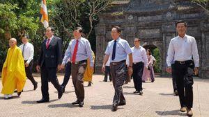 Chủ tịch Ủy ban Trung ương MTTQ Việt Nam chúc mừng Đại lễ Phật đản
