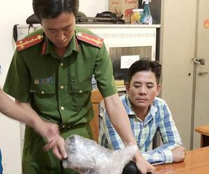 Khởi tố 11 người trong vụ nổ súng tại sới gà ở Cà Mau