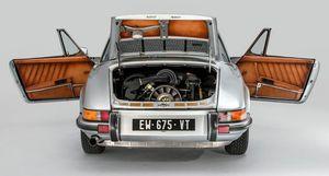Porsche 911 Targa S đời 1973 biến thành tác phẩm thời trang Pháp