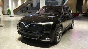 Chiếc VinFast V8 lộ diện hình ảnh tại Việt Nam: 'Đẹp và sang'