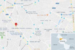 Giải cứu 8 người kẹt trong thang máy ở Sài Gòn