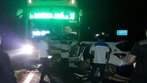 3 người trên taxi tử vong sau cú tông trực diện với xe khách