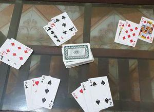 Khởi tố cán bộ xã đánh bạc trong giờ hành chính