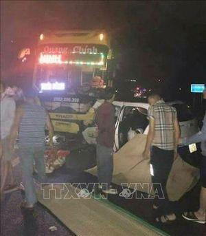 Xe khách đâm xe taxi tại Quảng Ninh, 5 người trên xe taxi thương vong