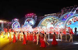Thủ tướng Nguyễn Xuân Phúc dự Lễ hội Hoa Phượng đỏ 2019