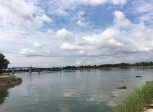 Lật xuồng giữa sông Thu Bồn, một người thiệt mạng