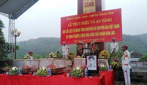 An táng 7 hài cốt liệt sỹ quân tình nguyện và chuyên gia Việt Nam hy sinh tại Lào