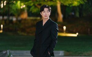 Nhan sắc gây nghiện của 'sát nhân' Kim Jae Wook trong 'Bí mật nàng fangirl'