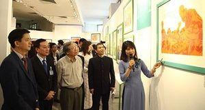 Chân dung Chủ tịch Hồ Chí Minh - góc nhìn từ tranh cổ động