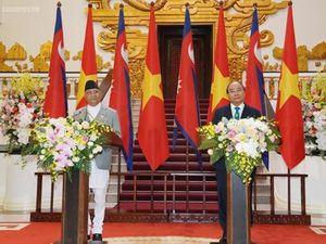 Thủ tướng Việt Nam và Nepal nhất trí xem xét mở cửa TT nông sản
