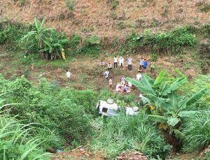 Ô tô mất lái lao xuống vực khiến hai vợ chồng thương vong